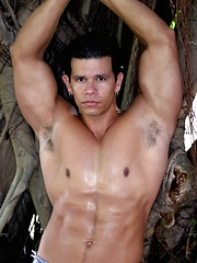 Well hung latin dude posing at nature