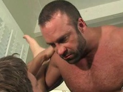 Man tricks: mature muscle hunk fucking his horny young buddy