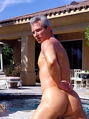 Daddy gay star Ray Butler fucks young stud