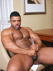 Hugely dicked muscle monster Mario Borelli