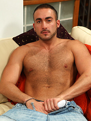 Riley is a middle eastern stud adn he is ready for jack off