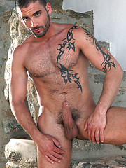 Hot gay stud Tony Axel bottoms for Edi Da Silvas arab cock