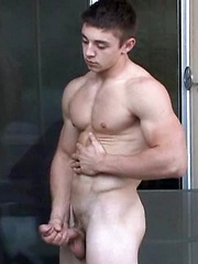 Hot muscle twink